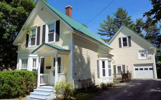 House in Pittsfield, Maine